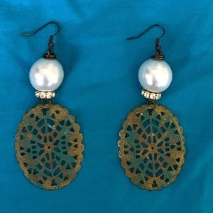 PEARL and metal with clear crystal stones earrings
